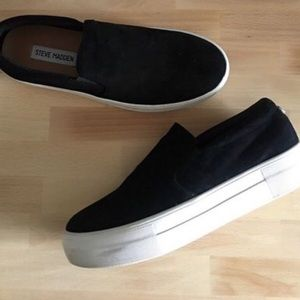 Steve Madden Gills Black Suede Slip-On Sneakers